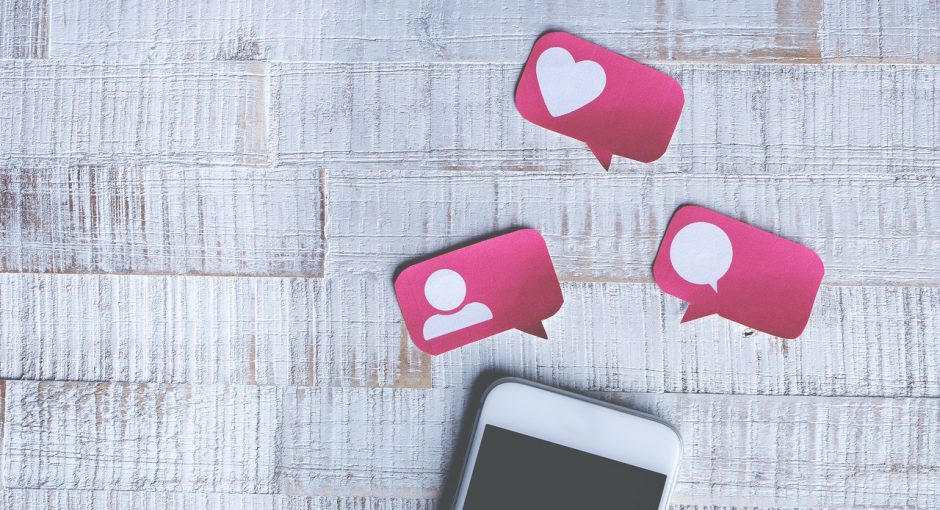 Social networks and social signs: their influence on modern people